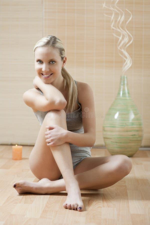 красивейшая женщина нижнего белья стоковая фотография rf