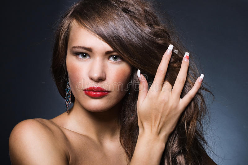 Красивейшая женщина с ярким составом стоковые фото