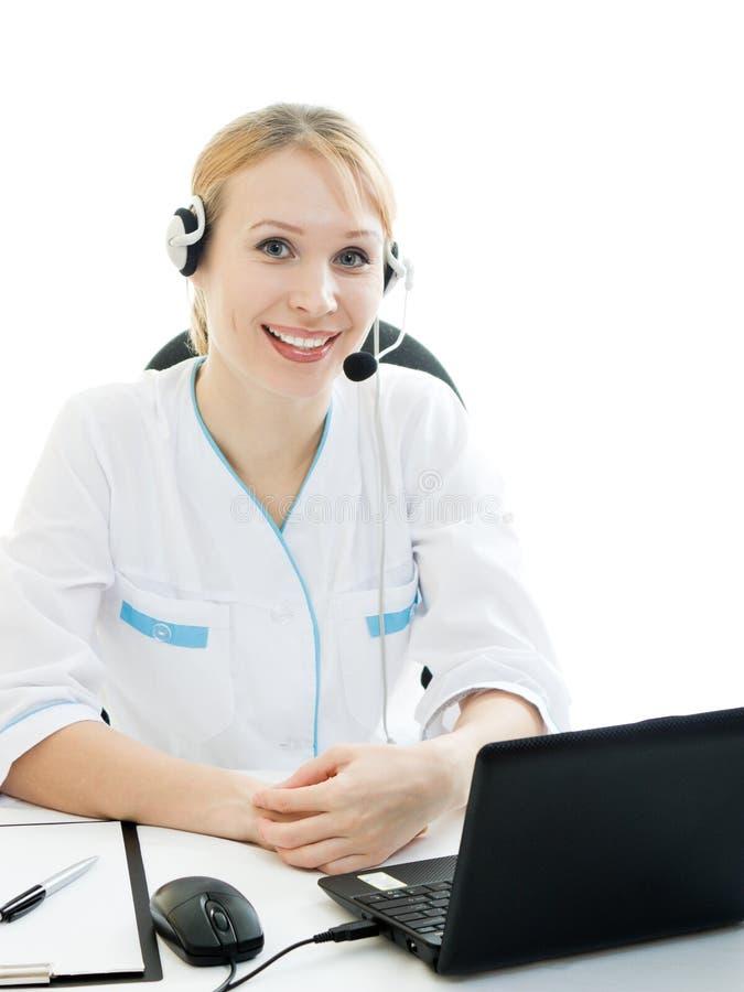 красивейшая женщина телефона доктора консультанта стоковое изображение rf