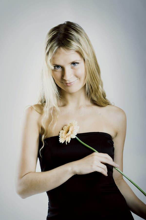 красивейшая женщина цветка стоковое фото rf
