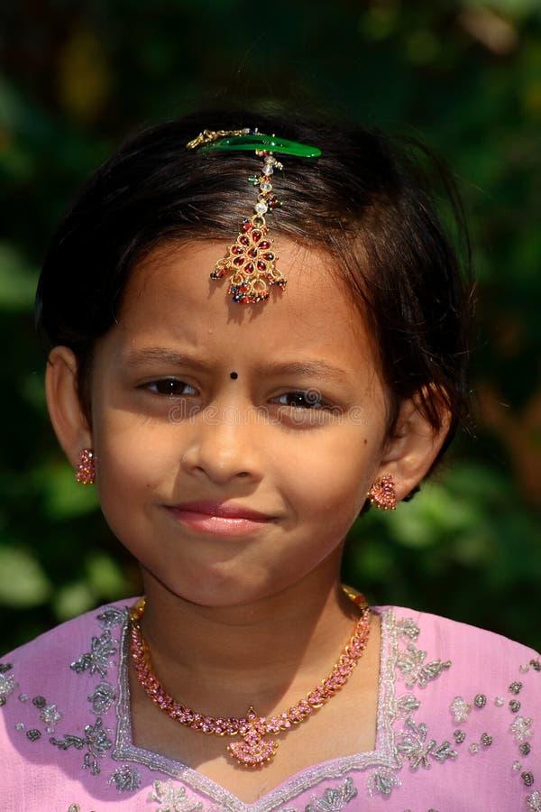 Download красивейшая индийская традиция Стоковое Фото - изображение насчитывающей женщина, очаровывать: 6851328