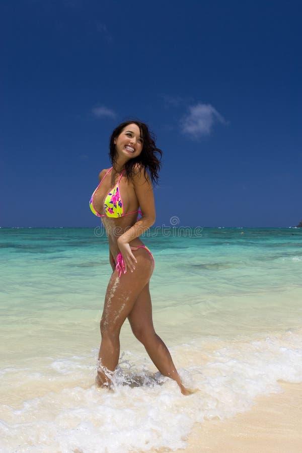 красивейшая итальянка девушки бикини стоковое изображение