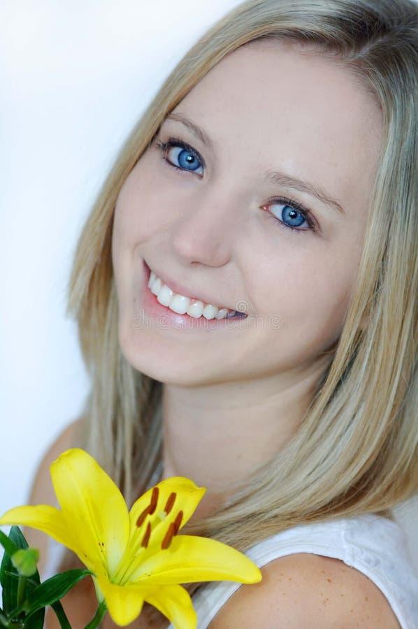 красивейшая лилия девушки стоковые фото