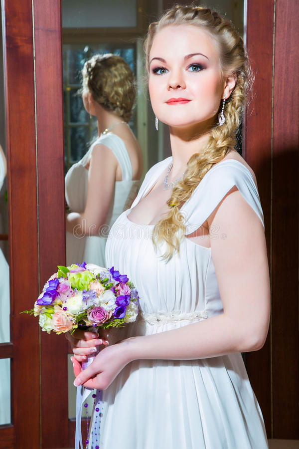 Download красивейшая невеста стоковое фото. изображение насчитывающей бутика - 40584862