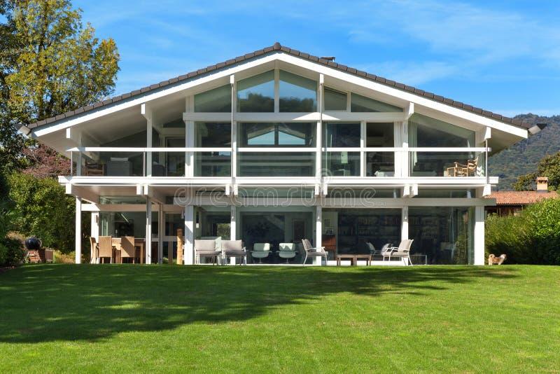 красивейшая дом сада стоковая фотография