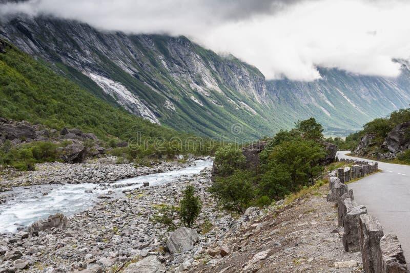 красивейшая долина troll трассы Норвегии стоковая фотография rf