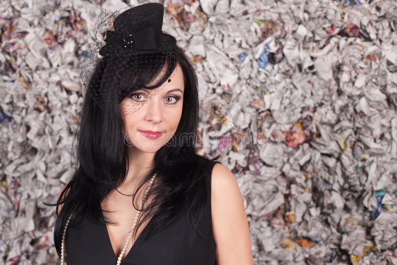 Download красивейшая повелительница черной шляпы Стоковое Изображение - изображение насчитывающей молодо, высоко: 18380311