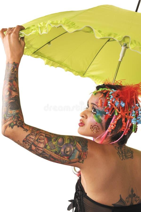 Красивейшая ретро женщина держа зонтик. стоковые фото