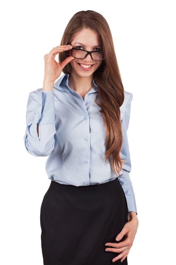 Красивейшая молодая женщина в стильных солнечных очках стоковые фотографии rf