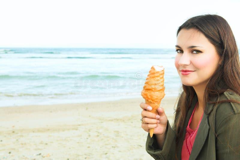 красивейшая cream женщина льда стоковая фотография