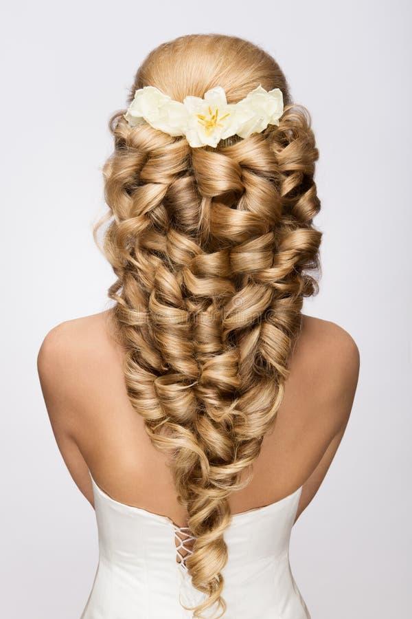 красивейшее венчание стиля причёсок способа невесты стоковые изображения
