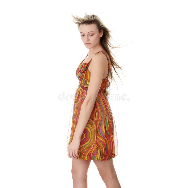 красивейшее лето модели девушки платья стоковое изображение rf