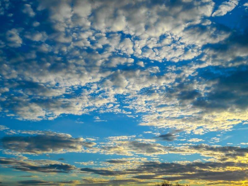 Красивейшее небо красивейшее небо облаков стоковое фото