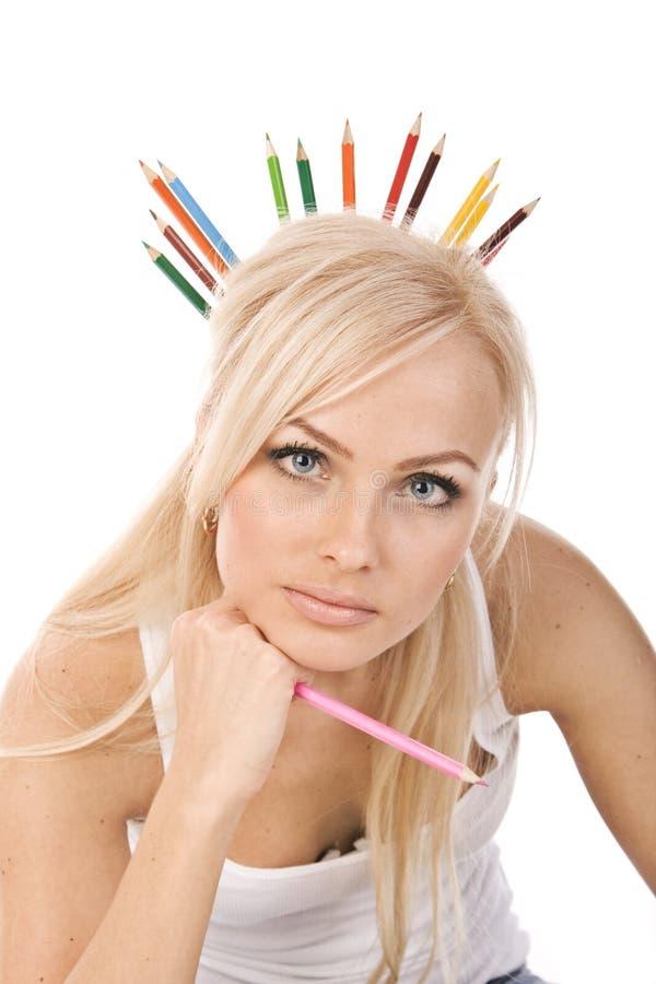 красивейшие белокурые покрашенные карандаши очень стоковая фотография rf