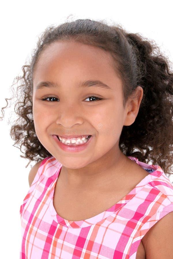 красивейшие большие детеныши усмешки девушки стоковые изображения rf