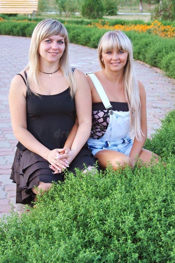 красивейшие девушки 2 стоковая фотография rf