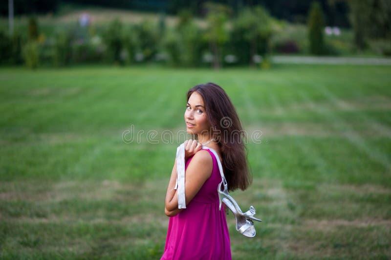 красивейшие детеныши женщины стоковое фото rf