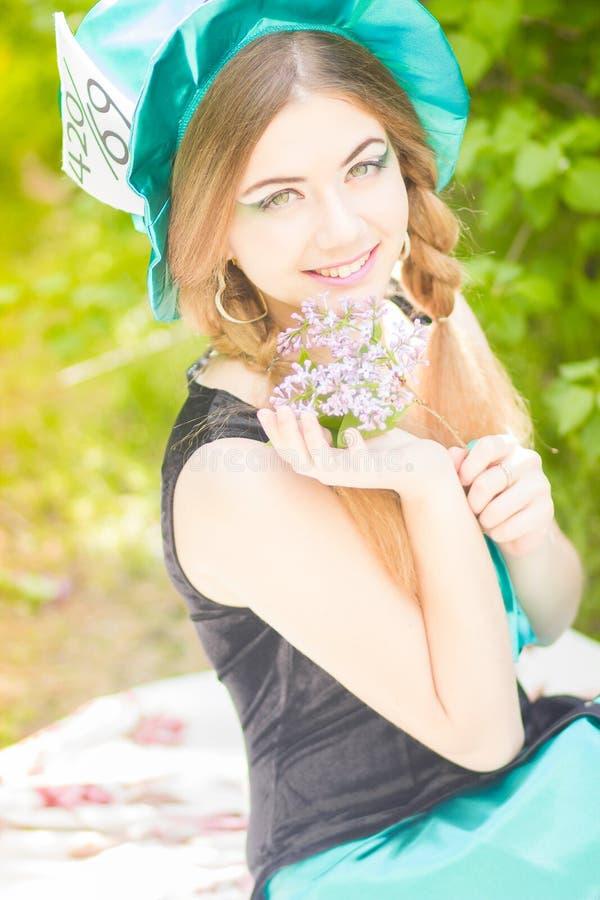 Download красивейшие детеныши женщины портрета Стоковое Фото - изображение насчитывающей девушка, brussels: 40581594