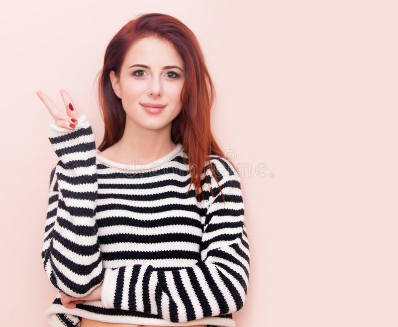 красивейшие кавказские детеныши женщины стоковые изображения rf