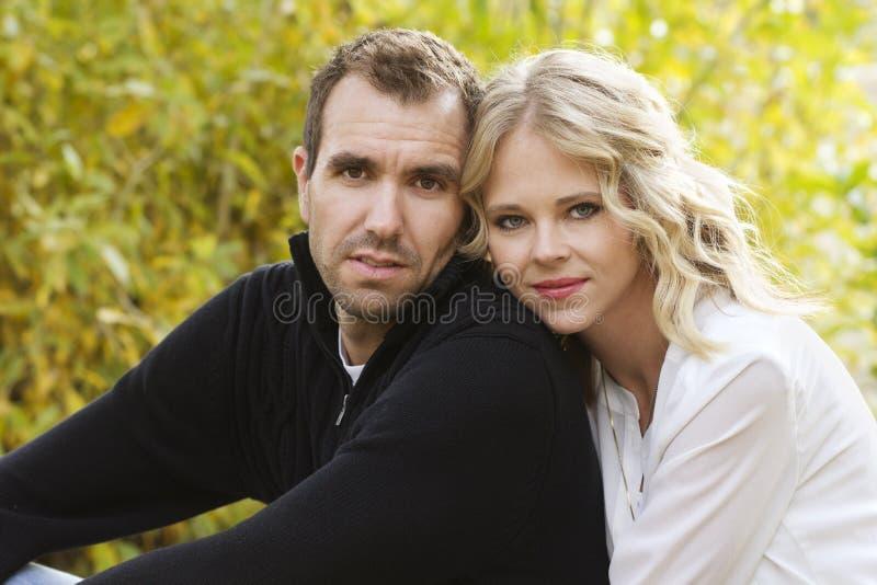 Красивейшие молодые пары стоковое фото