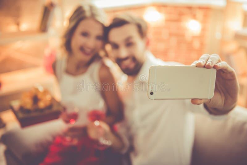 красивейшие пары романтичные стоковое фото