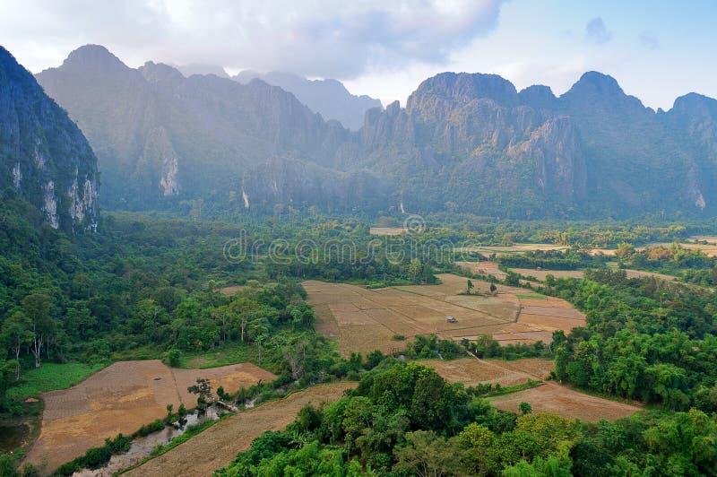 Красивейший ландшафт. Vang Vieng. Лаос. стоковое изображение