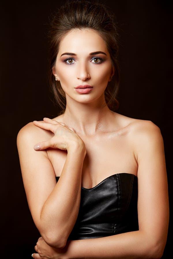 красивейший близкий портрет вверх по женщине стоковая фотография