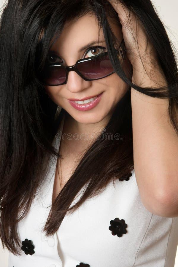 красивейший взгляд способа затеняет женщину стоковая фотография