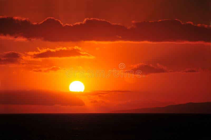 красивейший гаваиский заход солнца стоковые изображения