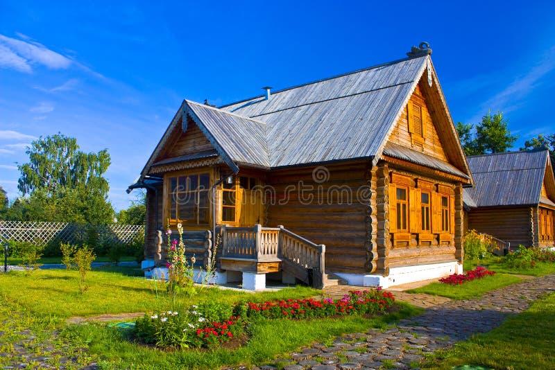 красивейший деревенский дом стоковые изображения