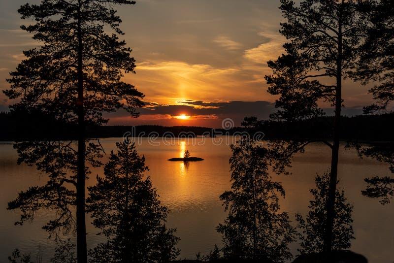 Красивейший заход солнца лета стоковое изображение