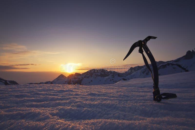 красивейший заход солнца горы стоковая фотография
