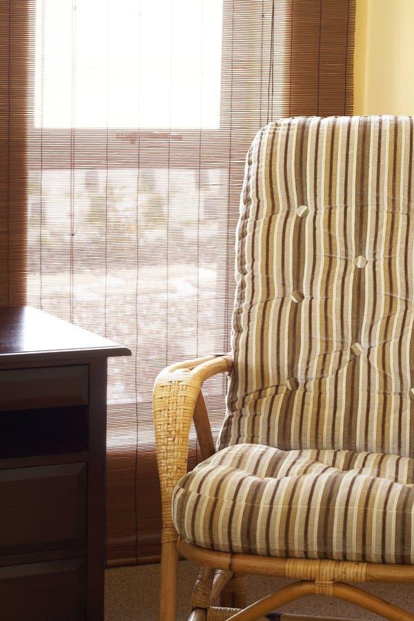 Download красивейший интерьер спальни Стоковое Изображение - изображение насчитывающей стул, тросточка: 6869567