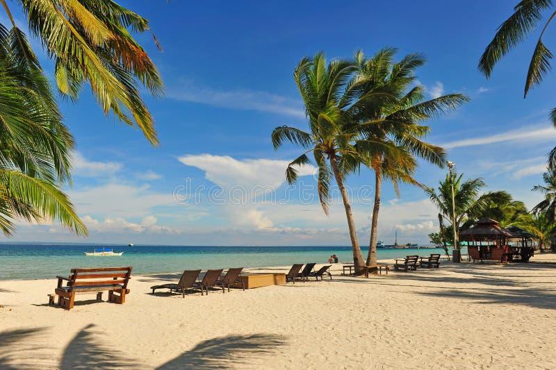 Красивейший пляжный комплекс на острове Bantayan, Cebu стоковые изображения