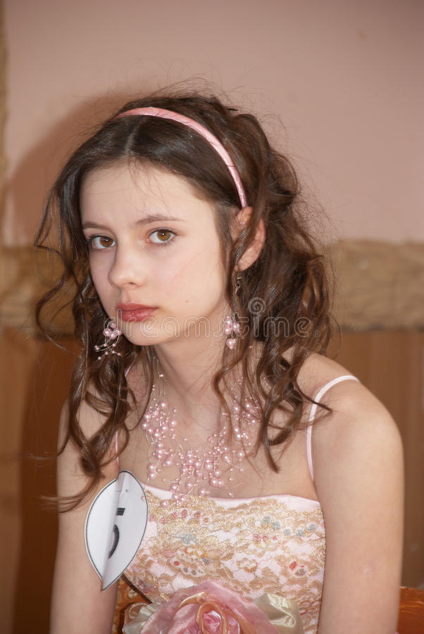 красивейший портрет девушки состязания красотки стоковое фото rf