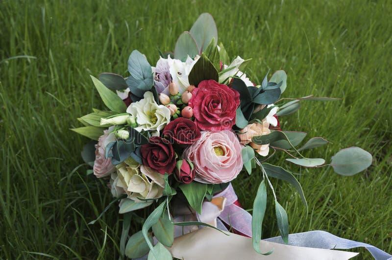 Красивейший цветастый букет венчания Handmade foamiran ткани цветка стоковая фотография