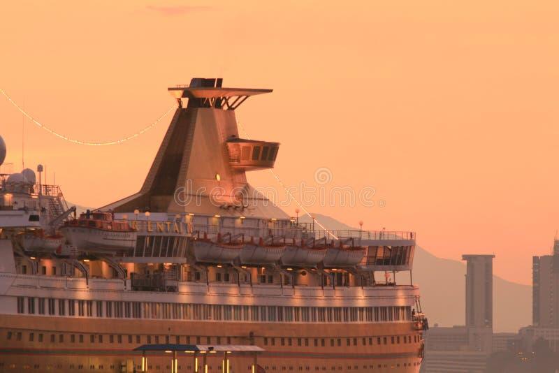 красивое большое туристическое судно на hk 2014 стоковое изображение
