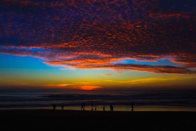 Красивое время вечера захода солнца на точке зрения Пхукета к югу от Thail стоковые фотографии rf