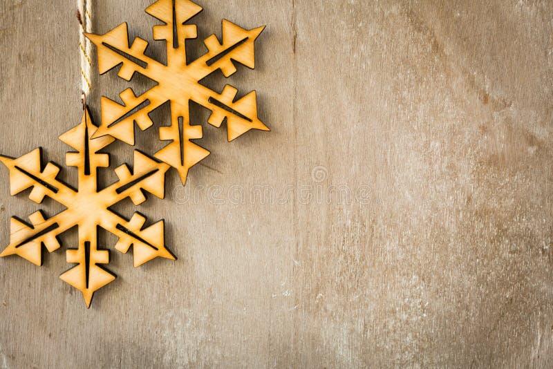 Красивое деревянное рождество снежинок стоковое фото rf