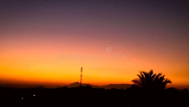 Красивое изображение захода солнца щелкнуло с высокой камерой разрешения стоковые изображения