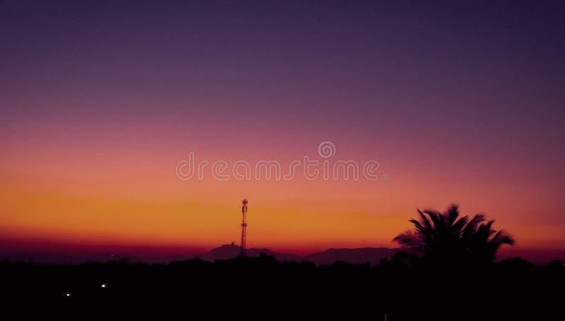 Красивое изображение захода солнца щелкнуло с высокой камерой разрешения стоковые изображения rf