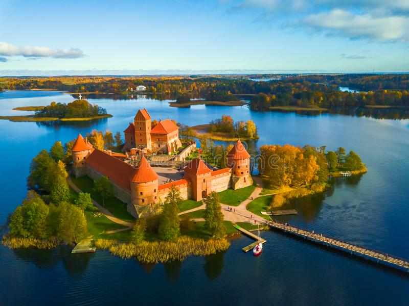 Красивое изображение ландшафта трутня замка Trakai стоковое изображение rf