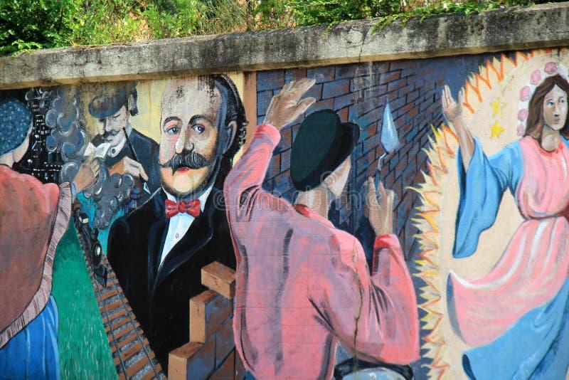 Красивое мастерство искусства улицы на стенах цемента подземного перехода, меньшей Италии, Кливленда, Огайо, 2016 стоковое фото