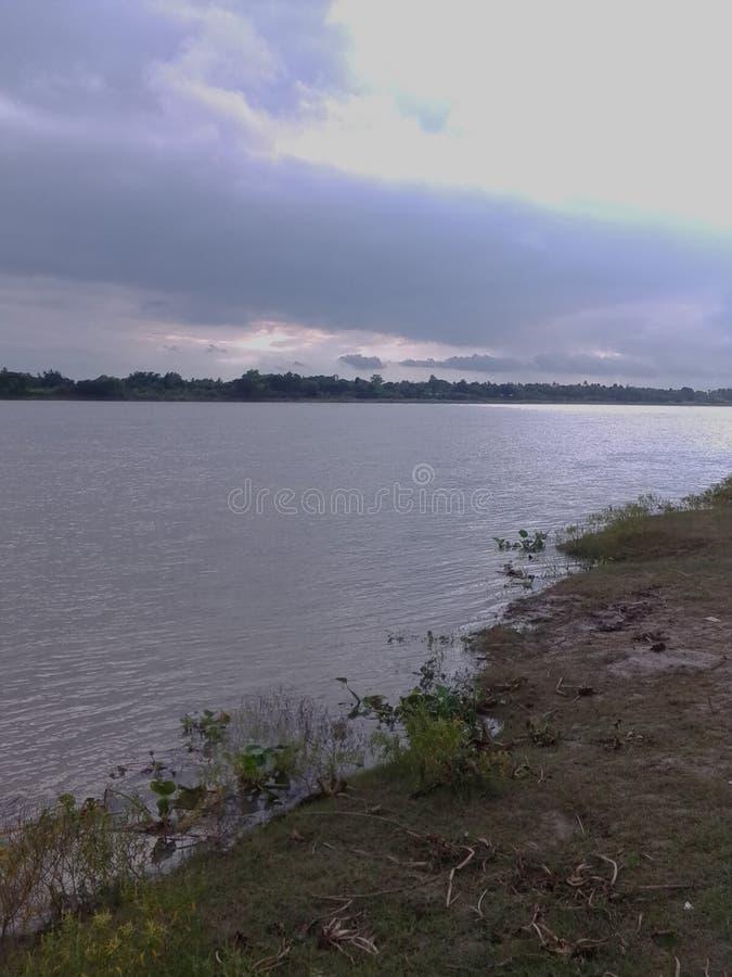 Красивое небо и revere в Бангладеше стоковые изображения