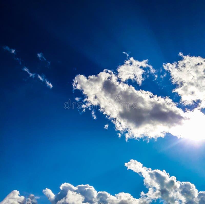 Красивое небо Красивые облака в небе стоковое изображение
