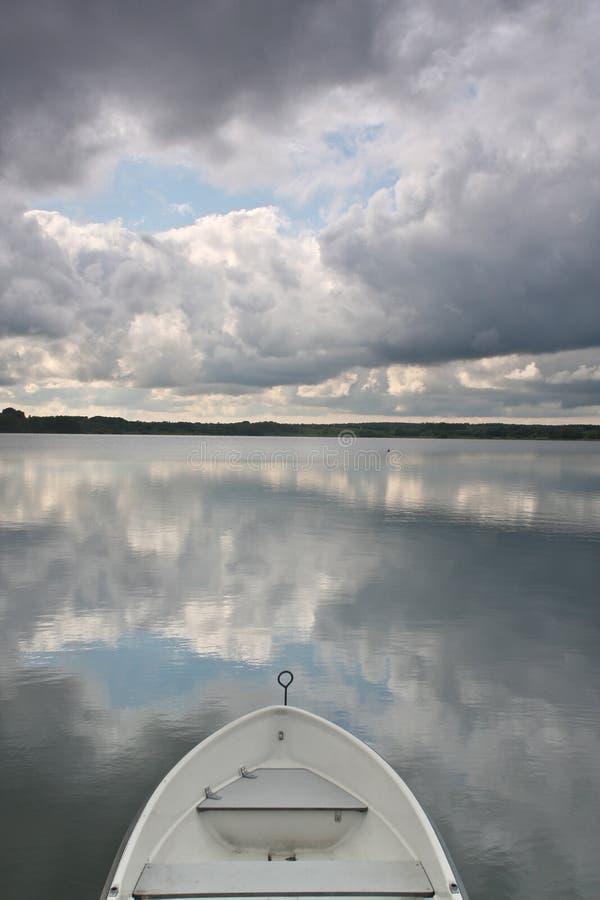 Красивое озеро в Дании стоковые изображения