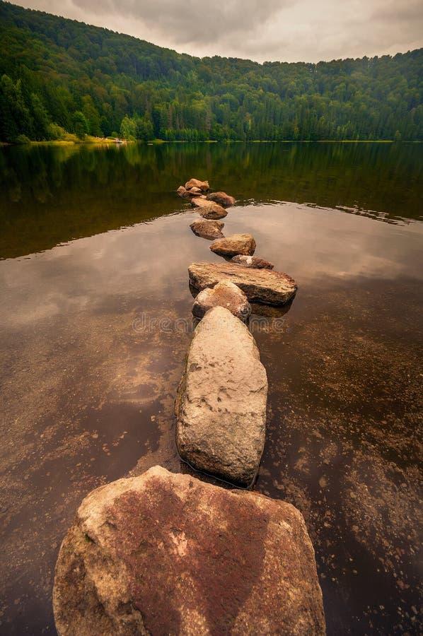 Красивое озеро St Ann в Румынии стоковое изображение
