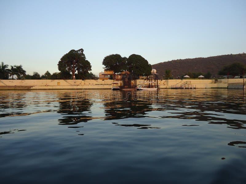 Красивое озеро Udaipur стоковые фото