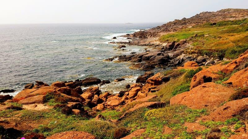 Красивое побережье Средиземного моря в Portoscuso, Carbonia-Иглезиас, юге Сардинии, Италии стоковая фотография rf