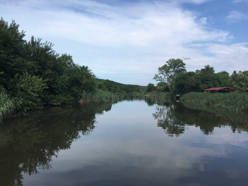 красивое река riva стоковые фотографии rf